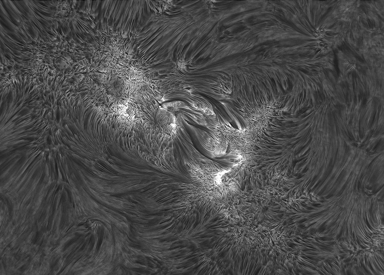 AR12712-May-31-2018-UT06h32m-C11-ARIES-295mm-DERF-0,2A-etalon-IMX174.jpg